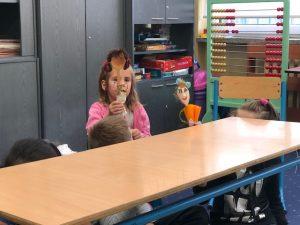 Zabawy w teatr w klasie 1c